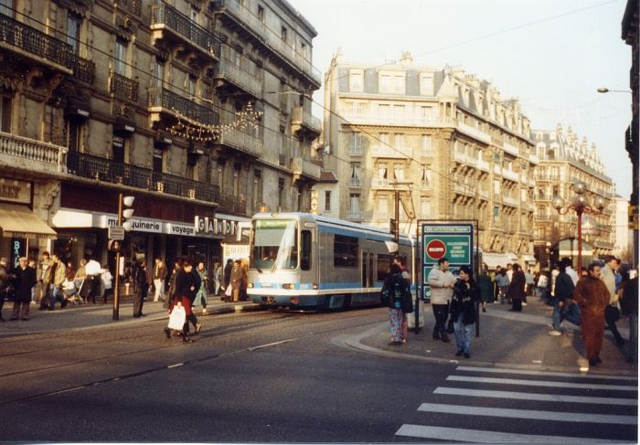 lrt-downtown-grenoble-1290.jpg