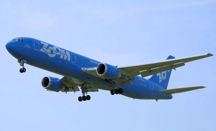 Zoom Airlines B767-300ER