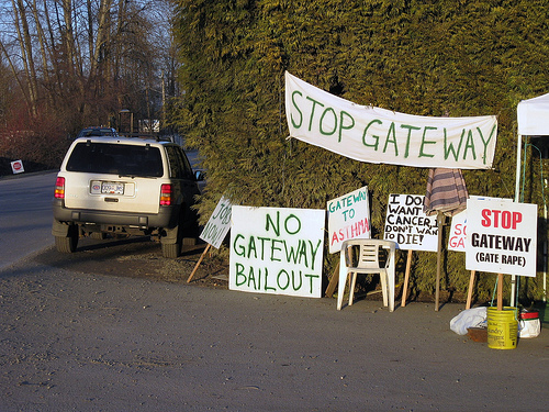 Gateway blockade, day 4
